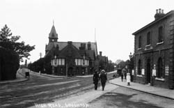 High Road, Loughton © Copyright Footstepsphotos 2006. http://www.footstepsphotos.co.uk/index.html