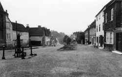 Hatfield Broad Oak © Copyright Footstepsphotos 2006. http://www.footstepsphotos.co.uk/index.html