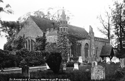St. Andrew's Church, Hatfield Peverel © Copyright Footstepsphotos 2006. http://www.footstepsphotos.co.uk/index.html